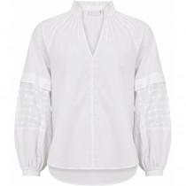 COSTER hvid bluse med smukke detaljer