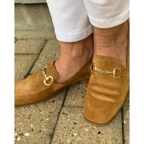 BUKELA lækker ruskind sko i farven cognac