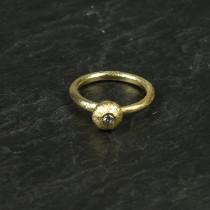 Pure by Nat guldbelagt ring med zircon