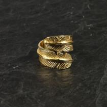 Pure By Nat guldbelagt ring med fjer