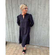 Saint Tropez mørkeblå kjole med sølvtråd
