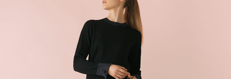 Saint Tropez sort kjole med skyggestriber